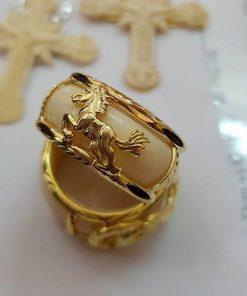 nhẫn con ngựa vàng