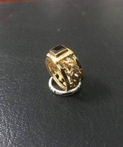 nhân sapphire đen