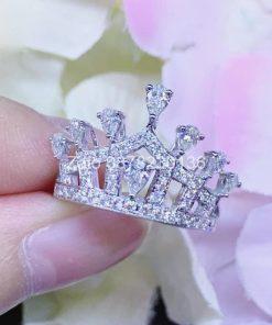 nhẫn vương miện kim cương