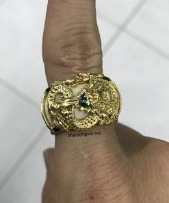 nhẫn rồng vàng 18k ngậm ngọc lục bảo